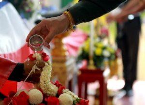 พิธีงานศพไทย - พิธีรดน้ำศพ